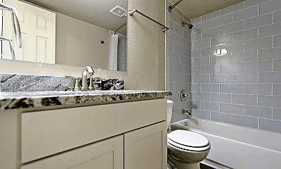 Bathroom, 146 E Del Mar Cir, 2