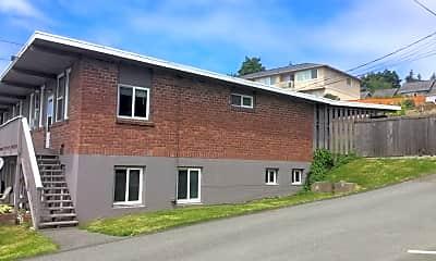 Building, 8415 Park Dr, 1