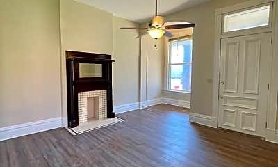 Living Room, 110 E Powell Ave, 1