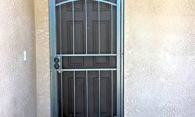Patio / Deck, 2403 N Crowe St, 1