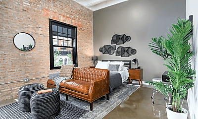 Living Room, 1510 W Monroe St, 1