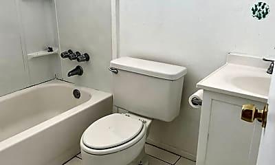 Bathroom, 1942 Passaic Ave, 2