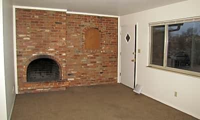 Living Room, 670 W. Van Buren St. #1, 1