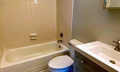 Bathroom, 8767 Reading Rd 7, 2