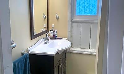 Bathroom, 113 Front St 1, 2