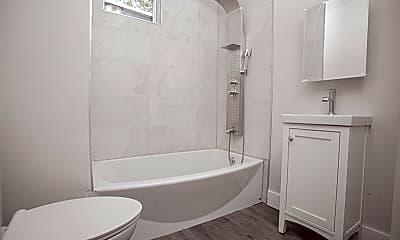 Bathroom, 5536 Bloyd St, 1