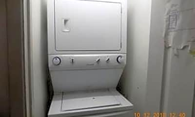 Bathroom, 1130 Light St 5, 1