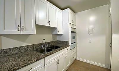 Kitchen, 8830 Etiwanda Ave, 0