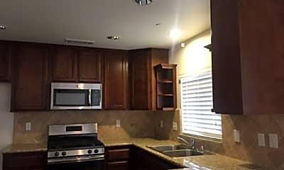Kitchen, 1010 E Vine Ct, 2
