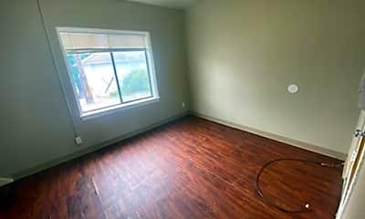Living Room, 1333 N Main St, 1