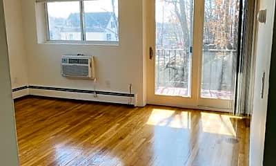 Living Room, 185 Grove St, 1