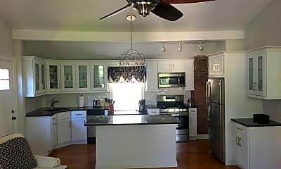 Kitchen, 30 Kent Pl Blvd 3, 1