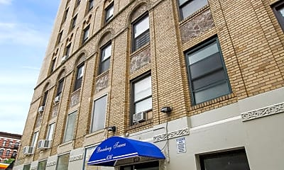 Building, 636 W 174th St 2-B, 2