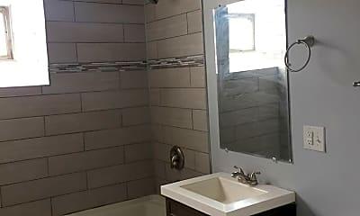 Bathroom, 1443 S Avers Ave, 2