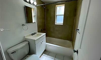 Bathroom, 3669 Thomas Ave 10, 1