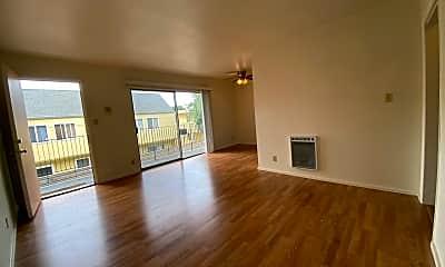 Living Room, 570 58th St, 1