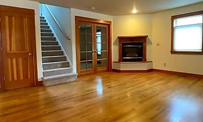 Living Room, 846 Blackberry Ln, 1