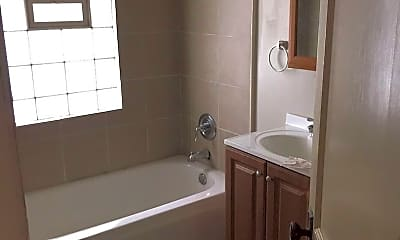 Bathroom, 423 Hayes St, 2