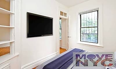 Living Room, 438 W 45th St, 1
