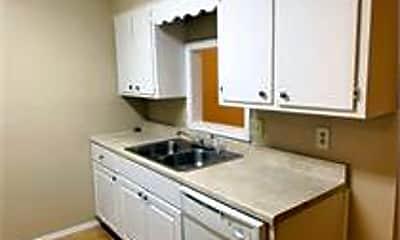 Kitchen, 142 Jennifer Ln, 1