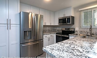 Kitchen, 2122 Roundhouse Rd, 1