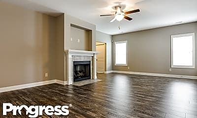 Living Room, 464 Airedale Trail, 1