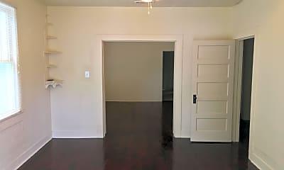 Building, 2624 Oleander St, 1