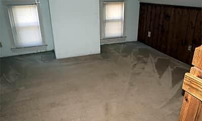 Living Room, 10 Fayette St E, 2