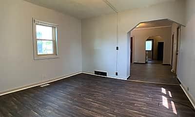 Living Room, 925 E 9th St, 1