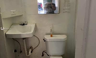 Bathroom, 12101 Everglades St 2, 2