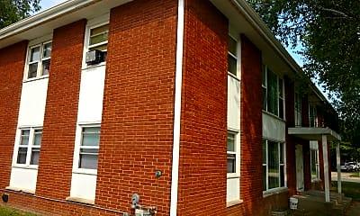 Taylor Street Apartments, 2
