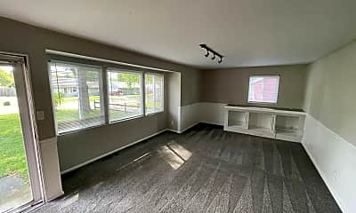 Living Room, 225 N Greenbriar Rd, 1