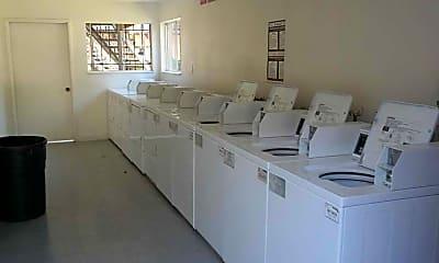 La Granada Apartments, 2
