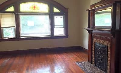 Bedroom, 2242 Victor St, 1