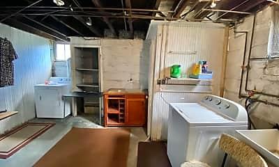 Kitchen, 2333 Park Ave, 2