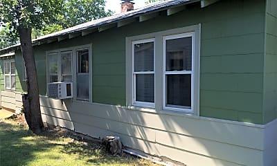 Building, 4207 N Beaver Ave, 1