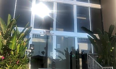 Franklin Los Feliz Towers, 1