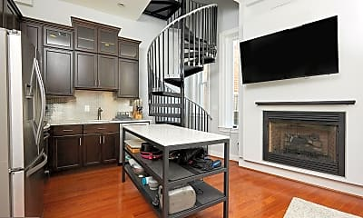 Kitchen, 2019 19th St NW 3, 1
