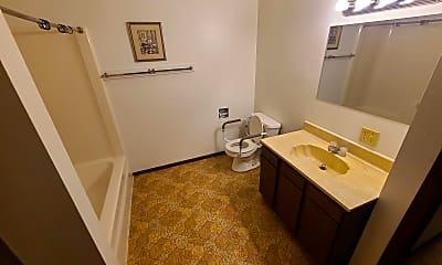 Bathroom, 515 Dewey Ave, 1