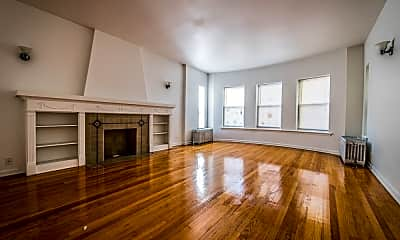 Living Room, 8141 S Kingston Ave, 2