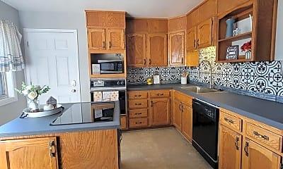 Kitchen, 2405 Mesa Ave, 0