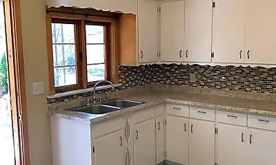 Kitchen, 611 Crown Ave, 1