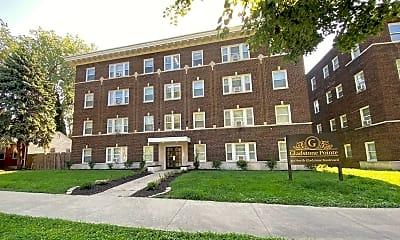 Building, 301-307 N Gladstone Blvd, 2