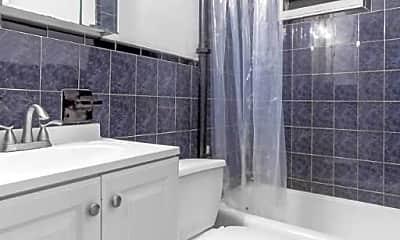 Bathroom, 216 Thompson St, 2