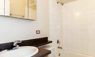 Bathroom, 3417 N Janssen Ave, 1