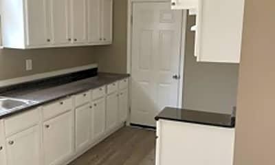 Kitchen, 1497 Mississippi Blvd, 2