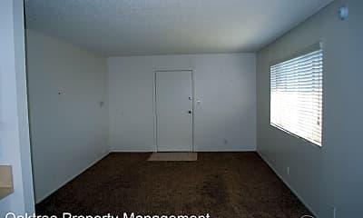 Bedroom, 135 S Hemlock St, 1
