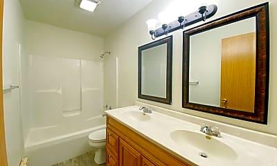 Bathroom, 208 E Mulberry St, 1