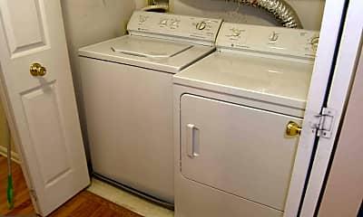 Bathroom, 10021 Vanderbilt Cir 7-15, 2