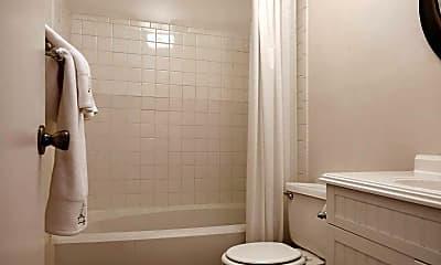 Bathroom, Villas of Mur-Len, 2